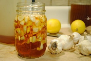 clear-clogged-arteries-eliminate-bad-cholesterol-from-your-bloodstream-using-this-garlic-remedy-600x402